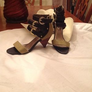 Women's shoes by Jomax size 6 1/2 brown